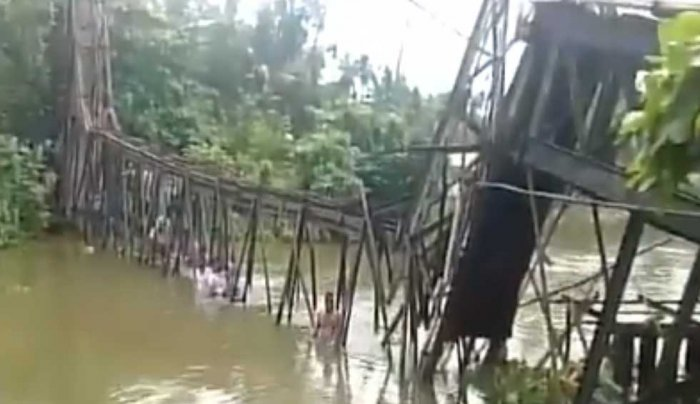 Woman killed, 30 injured as foot overbridge collapses in Kerala