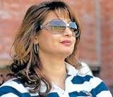 Sunanda Pushkar gives up stake in Kochi IPL team