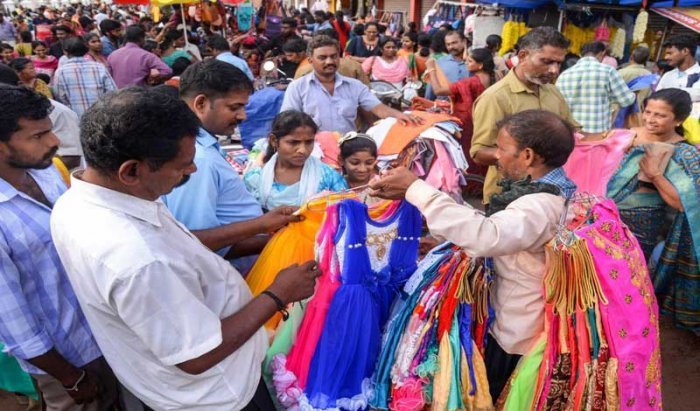 People busy in shopping for Onam at Thiruvananthapuram, on Friday, August 24, 2018. (PTI Photo)