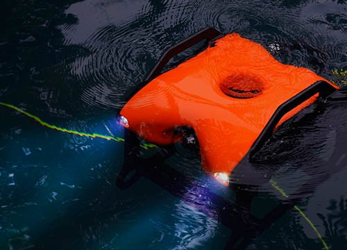 The first commercial Remotedly Operated Vehicle (ROV)/underwater drone, EYEROVTUNA, was developed by EyeROV Technologies. (Image credit: Twitter/@themachinemaker)
