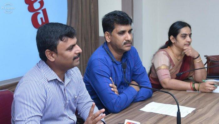 Dakshina Kannada ZP CEO Selvamani (left) speaks to mediapersons in Mangaluru on Tuesday.