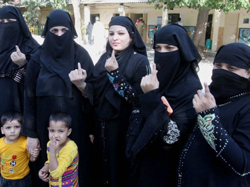 Nearly a quarter vote in Madhya Pradesh