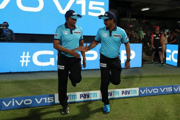 S Ravi (left) came under fire after failing to spot a big no-ball by Lasith Malinga off the last ball of the match against Mumbai Indians on Thursday while Nandan was criticised for wrongly adjudging a wide off Jasprit Bumrah. IPL Media