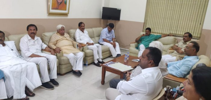"Wary of dissidence and the threat of sabotage, the Congress on Friday warned party cadre of ""strong disciplinary action"" if they were found to be working against the Congress-JD(S) alliance in Karnataka.  DH file photo"