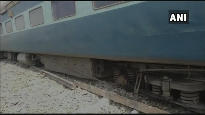 Thirteen coaches of the Chhapra-Surat Tapti Ganga Express derailed at Gautamsthan in Varanasi, officials said Sunday. (Image: ANI/Twitter)