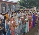Third phase Bihar polls see 53.65 percent voting