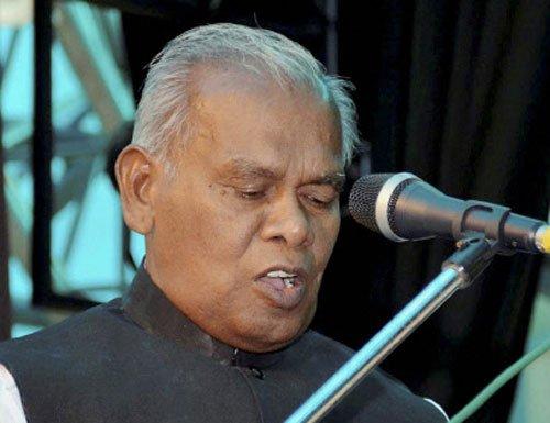 Manjhi wins trust vote in Bihar