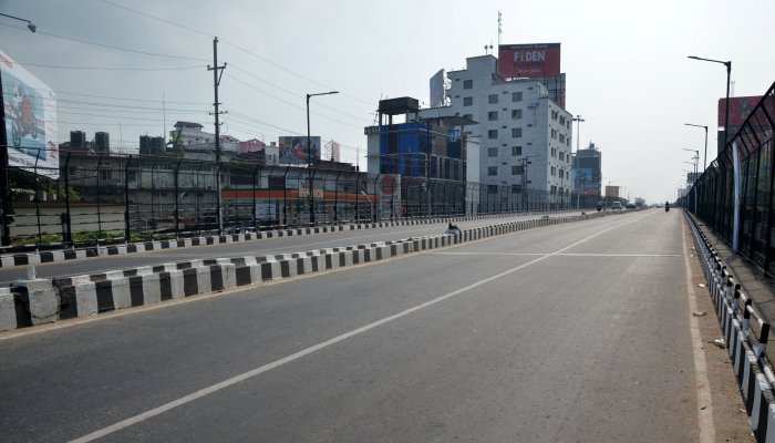 Deserted streets of Guwahati on Tuesday morning, during Assam bandh. Picture by Manash Das/ Guwahati