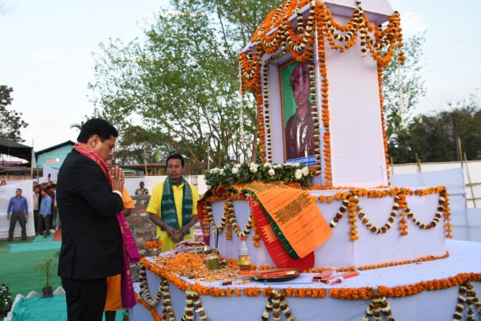 Assam CM Sarbananda Sonowal paying tribute to martyr Maneswar Basumatary at his residence in Tamulpur on Sunday. Photo credit: Assam government