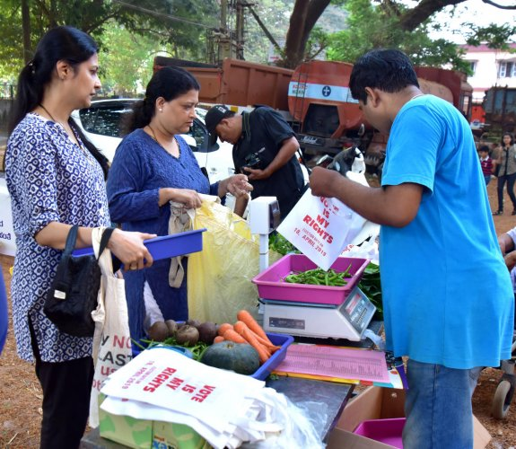Voter awareness drive was held at Savayava Santhe held at Mannagudde, Mangaluru, on Sunday.
