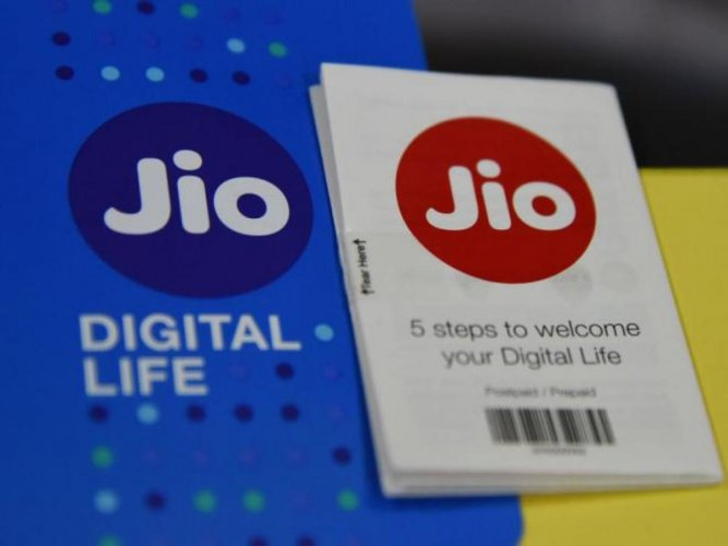 The optical fibre cable infrastructure unit, Jio Digital Fibre Private Ltd (JDFPL) has allocated shares worth Rs 500 crore to Reliance Jio Infocomm Ltd (RJIL) on March 31, 2019, according to a regulatory filing. File photo