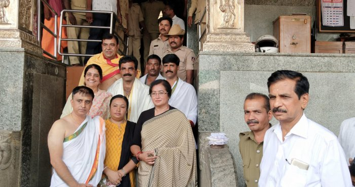 Sumalatha Ambareesh visits Shri Manjunatheswara Temple in Dharmasthala on Monday.
