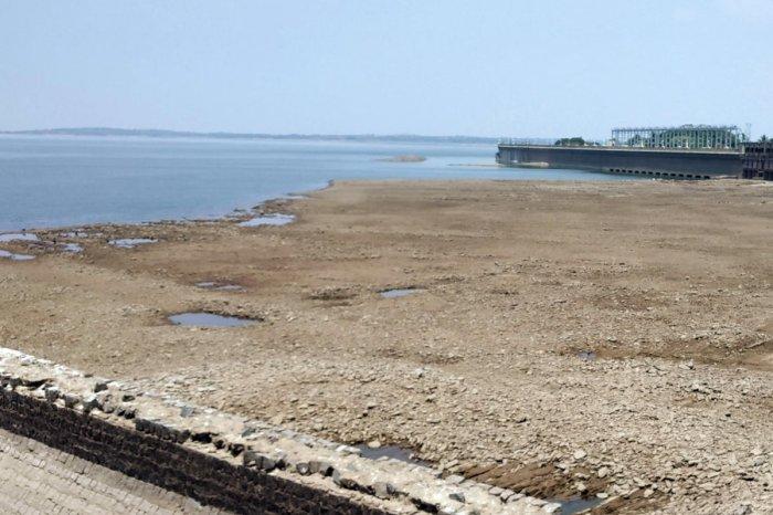 The KRS dam on Monday.DH Photo/Gananguru Nanjegowda