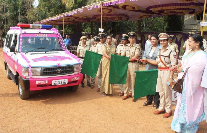 Superintendent of Police Nisha James flags off the Abbakka Rani Force vehicle in Udupi on Tuesday.