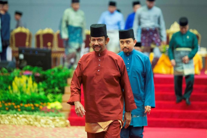 Brunei's Sultan Hassanal Bolkiah leaves after speaking at an event in Bandar Seri Begawan on April 3, 2019. - Brunei's sultan called for Islamic teachings in the country to be strengthened as strict new sharia punishments, including death by stoning for gay sex and adultery, were due to come into force on April 3. (AFP)