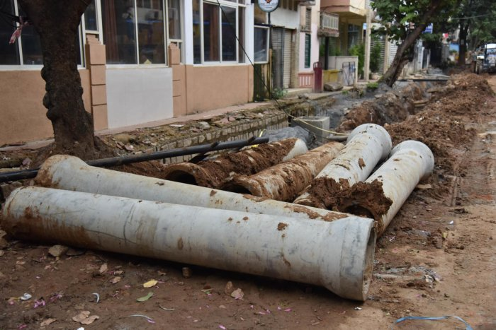 The BWSSB is trying to replace all old pipelines of diameter below 100 mm, repair leaks and cracks in old pipelines and crack down on unauthorised connections. DH FILE PHOTO