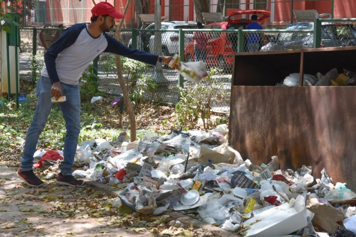 Volunteers picked waste left behind in the stadium and at Cubbon Park from 6.30 am to 8.30 am on Saturday. REPRESENTATIVE PIC