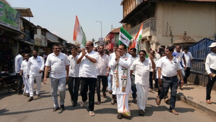 JD(S) candidate Pramod Madhwaraj campaigns in Sringeri. DH photo