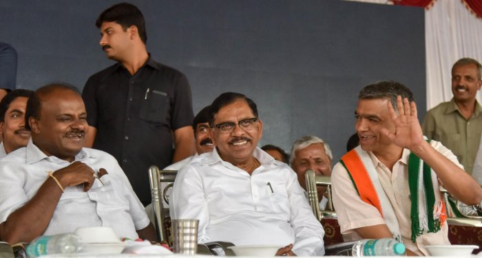 Bengaluru North Lokasabha constituency Congress and JDs Alliance candidate Krishna Byregowda seen with CM H D Kumaraswamy and DCM G Parameshwara, during the Public meeting Hegganahalli, in Bengaluru on Monday. Photo/ B H Shivakumar