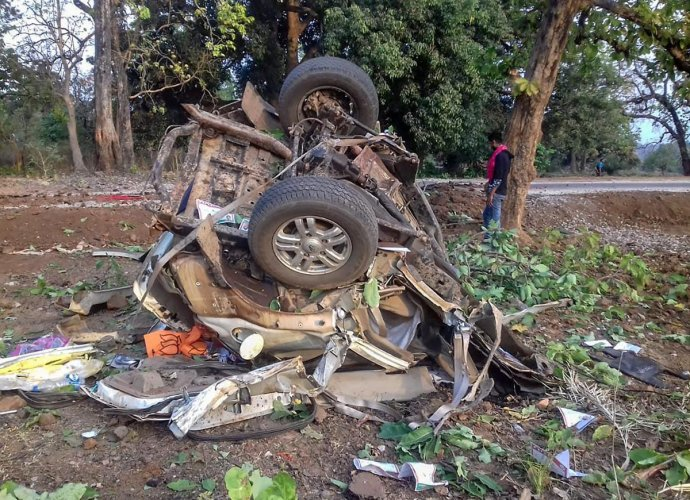 A day after the killing of the BJP leader and four others, while entire Bastar region virtually turned into a war zone with heightened anti-Maoist operations and vigil by the security forces, a fierce gun battle took place between the Maoists and the security forces in Rajnandgaon at a location near Maharashtra border on Wednesday. (PTI File Photo)