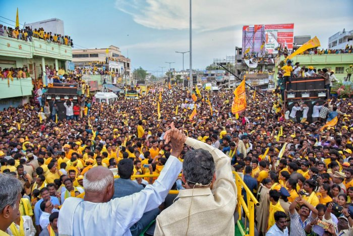 JD(S) patriarch and former prime minister H D Deve Gowda with AP Chief Minister N. Chandrababu Naidu during a public meeting of the Telugu Desam Party held at Tiruvuru town, Krishna district, Andhra Pradesh on April 08, 2019. (PTI Photo)