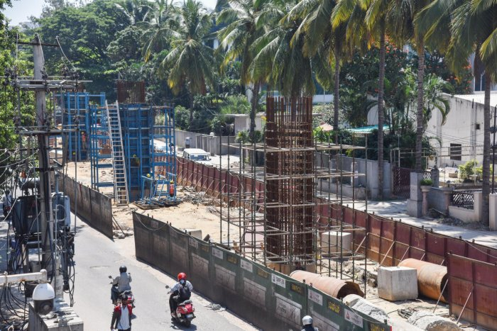 The metro rail line between Bannerghatta Road and Nagavara will see the axing of 250 trees. DH PHOTO/S K DINESH