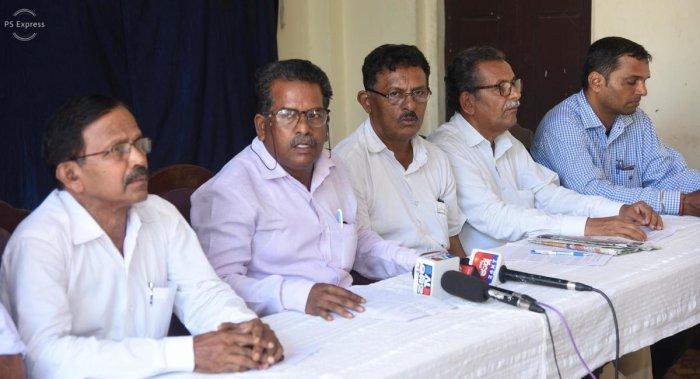 CPM Dakshina Kannada district unit secretary Vasanth Achari speaks to mediapersons in Mangaluru on Tuesday.