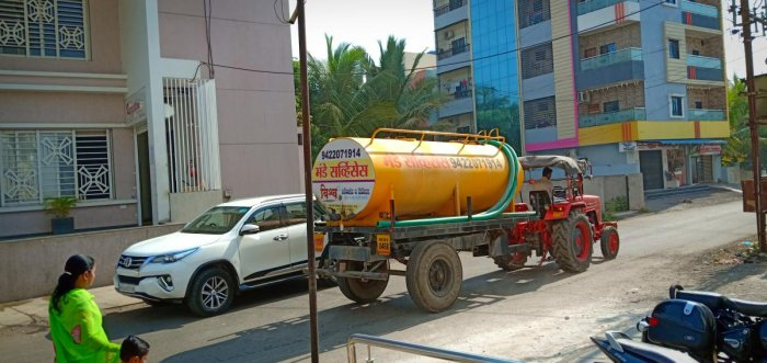 People depend on water tankers in Latur city.