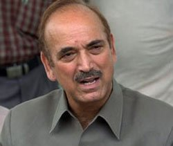 Azad slams Trinamool, says UPA has support of over 300 MPs