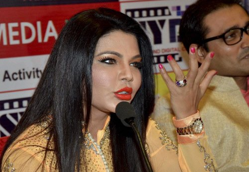 Rakhi Sawant joins RPI, says ready to fight against MNS chief