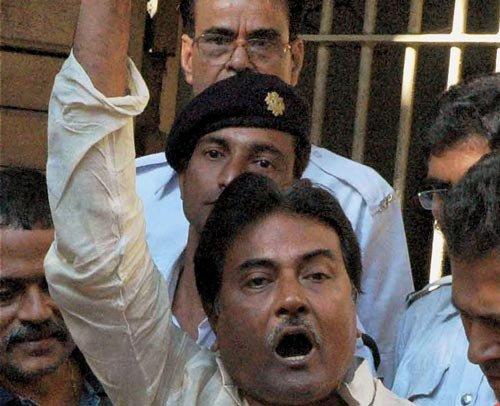Bengal will burn if Mamata arrested: Trinamool MP