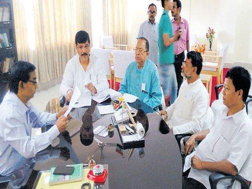 6 Congress MLAs join Trinamool in Tripura