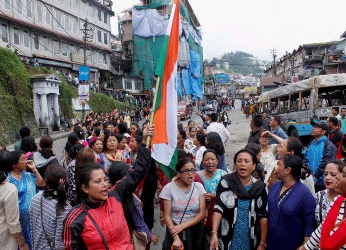 Darjeeling crisis takes new turn, GNLF snaps ties with TMC