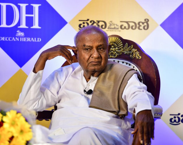 The situation in Mandya has gone beyond control and even Congress leader Siddaramaiah cannot help it, JD(S) supremo HD Deve Gowda has said, suggesting for the first time that his grandson Nikhil was facing a not-so-easy election.  DH file photo