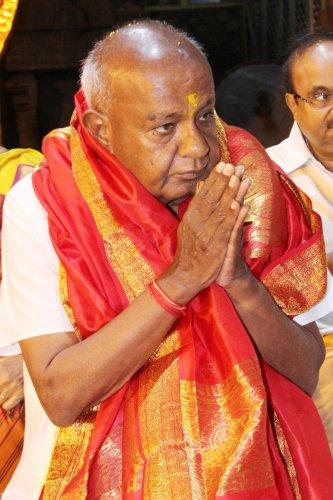Former prime minister H D Deve Gowda in Tirumala Tirupati recently. (DH file photo)