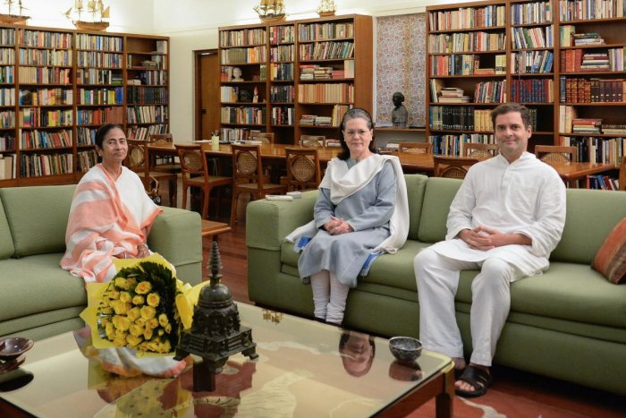 File photo of TMC chief Mamata Banerjee with UPA chief Sonia Gandhi and Congress president Rahul Gandhi. The Congress in West Bengal is wary of a TMC-Congress alliance for the 2019 Lok Sabha Polls. PTI file photo