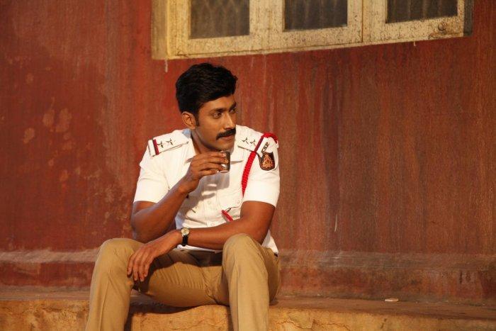 Rishi plays Shyam, a traffic cop, in 'Kavaludaari'.