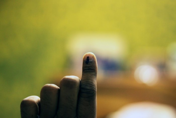 Finger with indelible ink after voting. Picture credit: commons.wikimedia.org/ Yogesh Mhatre