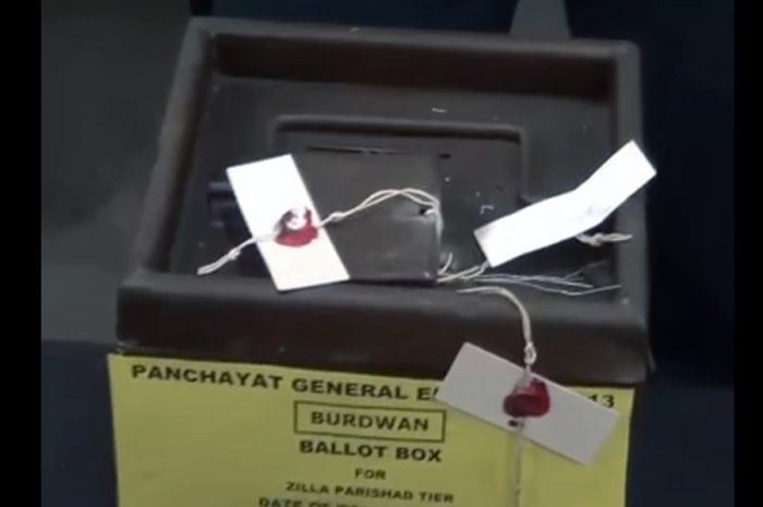 Screenshot of paper seal for ballot box. Picture credit: www.youtube.com