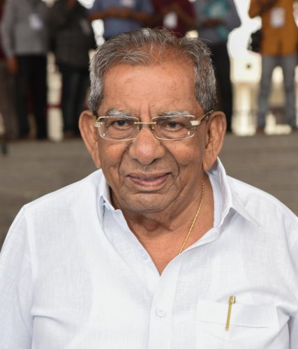 Addressing reporters, Shivashankarappa said Mallikarjun had expressed his willingness to contest and that the latter would win the election.