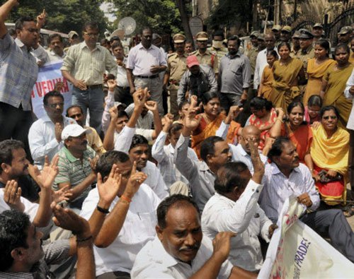 YSR Congress's 15 members suspended from Andhra assembly