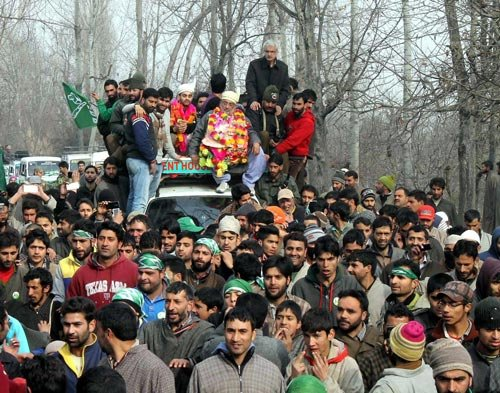 BJP open to forming govt with PDP or NC