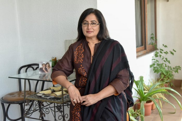 Sumalatha, wife of actor-politician late Ambareesh on Thursday toured the district to elicit the opinion of the Congress leaderson her candidature for Lok Sabha polls from Mandya constituency. DH file photo