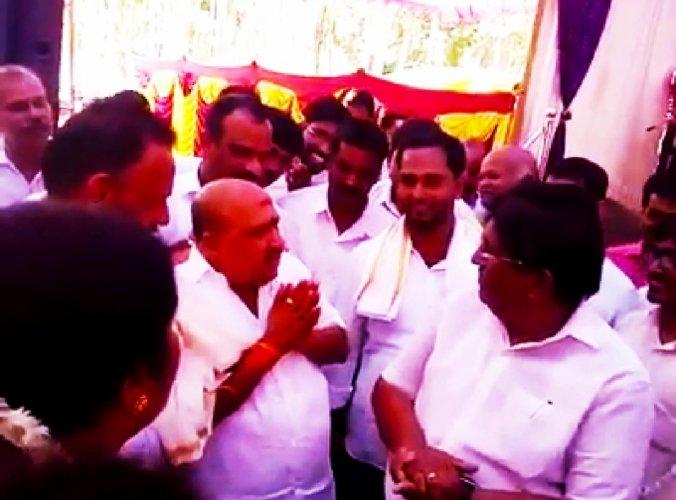 A video grab of Byndoor MLA Sukumar B Shetty speaking to fishermen leader G Shankar at Byndoor.