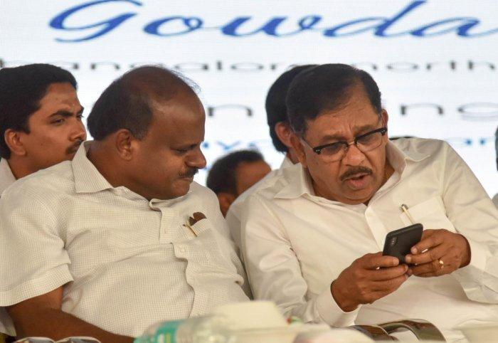 File photo of Deputy CM G Parameshwara along with CM H D Kumaraswamy at a public meeting in Bengaluru. Photo/B H Shivakumar