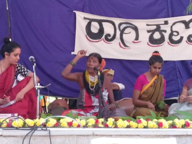 Keeping traditions alive: Padmavathi narrating the story of Seethe Kami. Photos by author