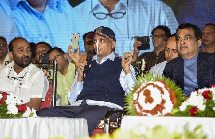 Union Transport Minister Nitin Gadkari and Goa Chief Minister Manohar Parrikar. (PTI File Photo)