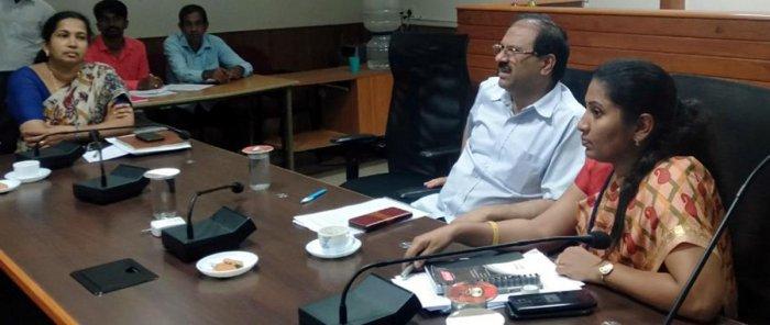 Deputy Commissioner Hephsiba Rani Korlapati and Revenue Department Principal Secretary Dr Rajkumar Khatri take part in a meeting on natural calamity and water crisis in Udupi on Monday.