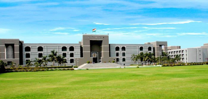 Gujarat High Court. Wiki-Commons.