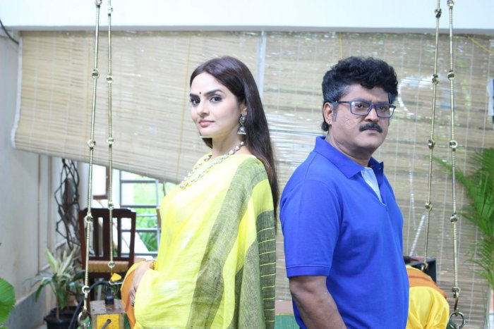 Premier Padmini, starring Jaggesh, Madhoo and Sudharani, is this week's big Kannada release.